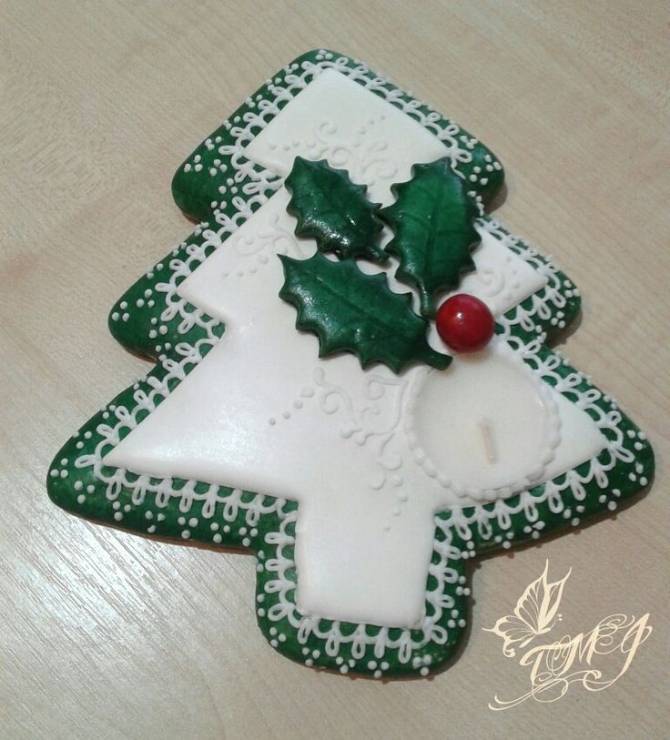 Gingerbread cookie christmastree tealight holder by TMJcreative.