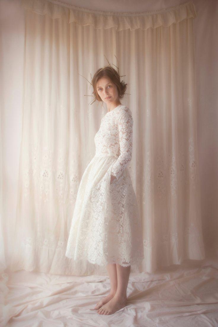 Bienvenue sur le site de Violette Tannenbaum, créatrice de jolies robes de mariées à Paris.