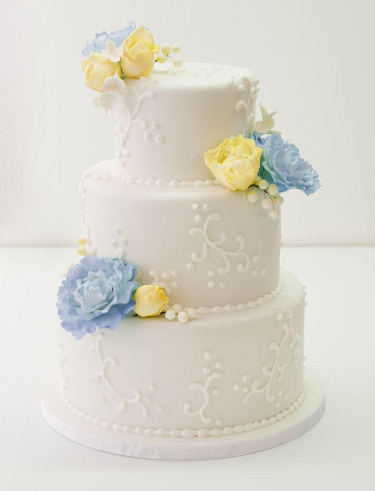 royal blue and canary yellow wedding cake bodas yellow flowers wedding cake and cake 19345