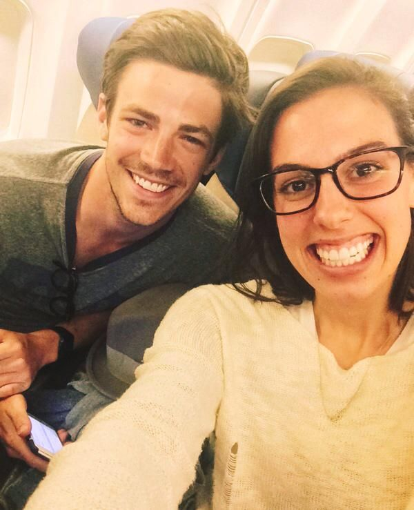 Look who I ran into on my flight! Had to take a pic to brag to my little brothers hehe  @grantgust