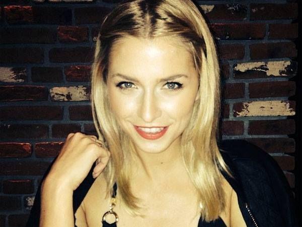 Lena Gercke ist ganz schön hot! So freizügig wie hier zeigt sich das Model aber selten - seht selbst! HIER KLICKEN: