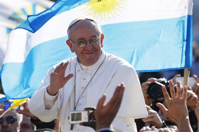Las banderas argentinas, protagonistas en las postales de la celebración.