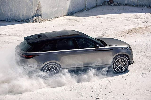 Dit is de moddervette nieuwe Range Rover Velar. Meer op FHM.nl #rangerover #velar #rangerovervelar #cars  via FHM HOLLAND MAGAZINE OFFICIAL INSTAGRAM - Celebrity  Fashion  Haute Couture  Advertising  Culture  Beauty  Editorial Photography  Magazine Covers  Supermodels  Runway Models