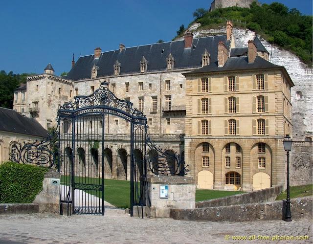 12th century Château a La Roche Guyon, Val d'Oise