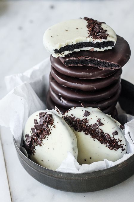 White Chocolate Peppermint Mocha Cookies (4 ingredients, no bake, 15 minutes)