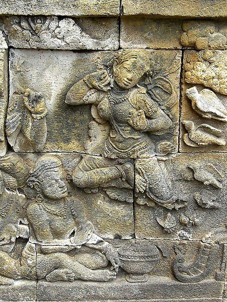 Apsara di Borobudur.