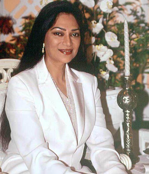 Simi Garewal to direct Hindi film | News | Bollywood | Fundoofun.com