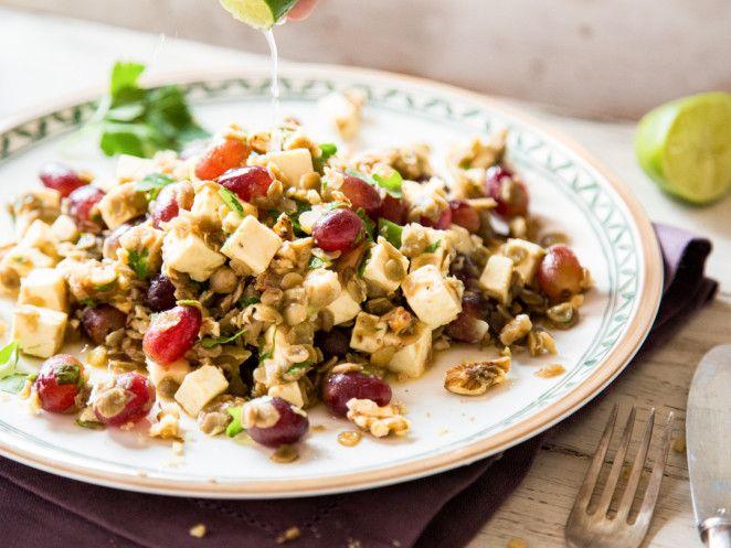 Fruchtiger Linsensalat mit Trauben und Feta
