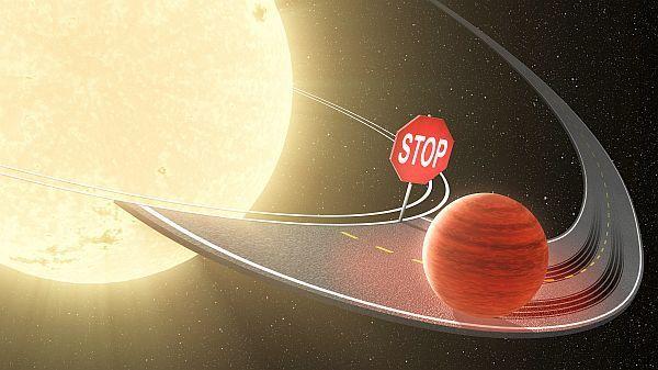 Güneş Sisteminin İlk Gezegeni Göçmen Jüpiter  #Jüpiter sadece Güneş Sistemi'nin en büyük gezegeni değil; aynı zamanda ilk doğan gezegeni. Üstelik 4,5 milyar yıl önce Güneş'e doğru intihar dalışı gerçekleştirdi; ancak yolun yarısında vazgeçip geri dönerek bugünkü yörüngesine oturdu. Dünyamız da Göçmen Jüpiter sayesinde oluştu; peki ama nasıl?