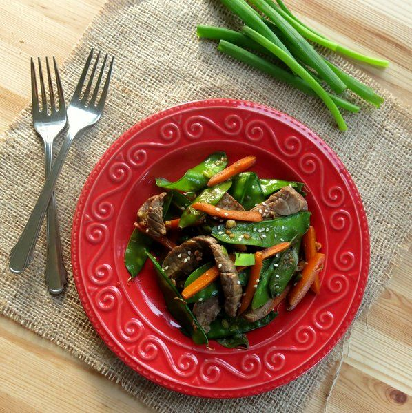 Sesame Beef Strips and Stir-Fry Vegetables - one pan prep in under 30 minutes! #lowcarb #glutenfree