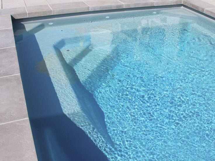 Les 25 meilleures id es de la cat gorie piscine coque sur for Piscine coque polyester grise