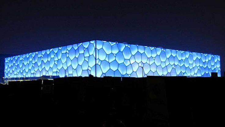 Le Water Cube de PTW et Arup à Pekin (2003-2008) Polygones de Voronoï. Est-on dans le structurel ou dans l'ornemental : régime hybride. Crise de la notion de structure ? (conf Antoine Picon)