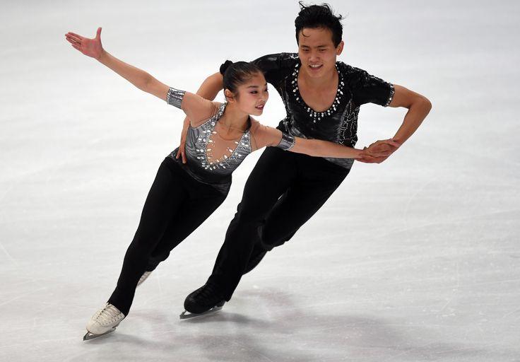 Les organisateurs sud-coréens des Jeux Olympiques d'hiver 2018 se sont félicités samedi de la qualification la veille à Berlin d'un couple nord-coréen de patinage artistique, la participation de Pyongyang étant essentielle pour eux à ces « Jeux de la paix ».