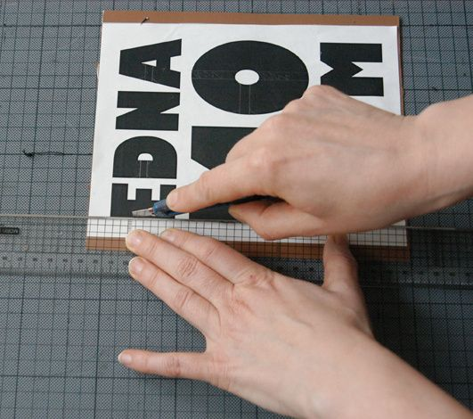 Tutorial: Schablonen für Textildruck selbst herstellen. EDNA.MO zaubert mit ihren Schablonen großartige Sachen!