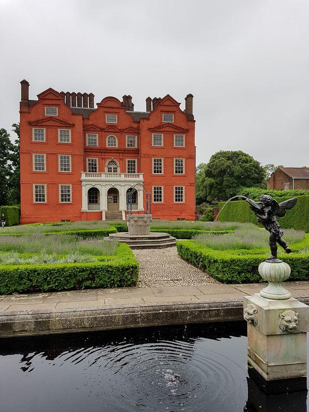 64d86b609c9517a159ff3295766ea65f - Windsor Gardens London House For Sale