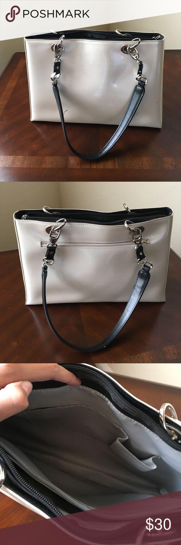 Lightly use Beijo Pearl color lightly used beijo purse Beijo Bags Hobos