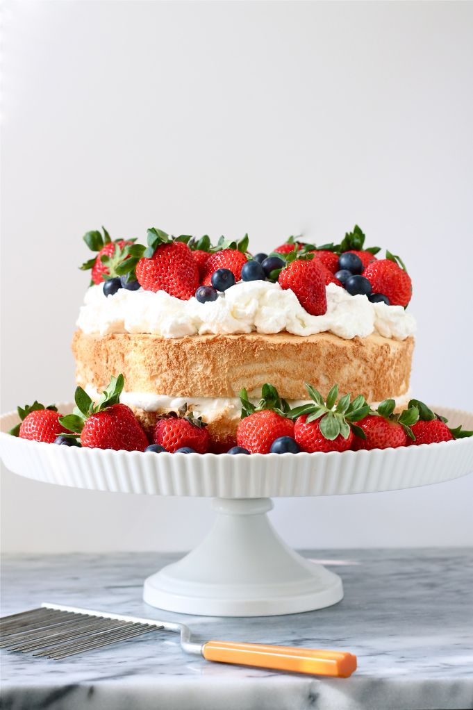 summer berry cake