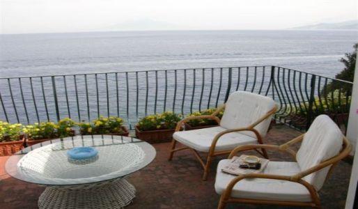 Capri Elegant Oceanfront Rental - Villa di Tiberio