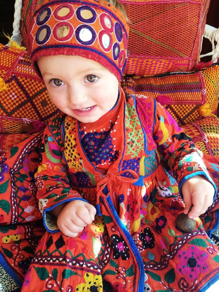 Bohemian baby style . Vintage children's gypsy dress from India. Available at http://www.thesilkroadshop.bigcartel.com