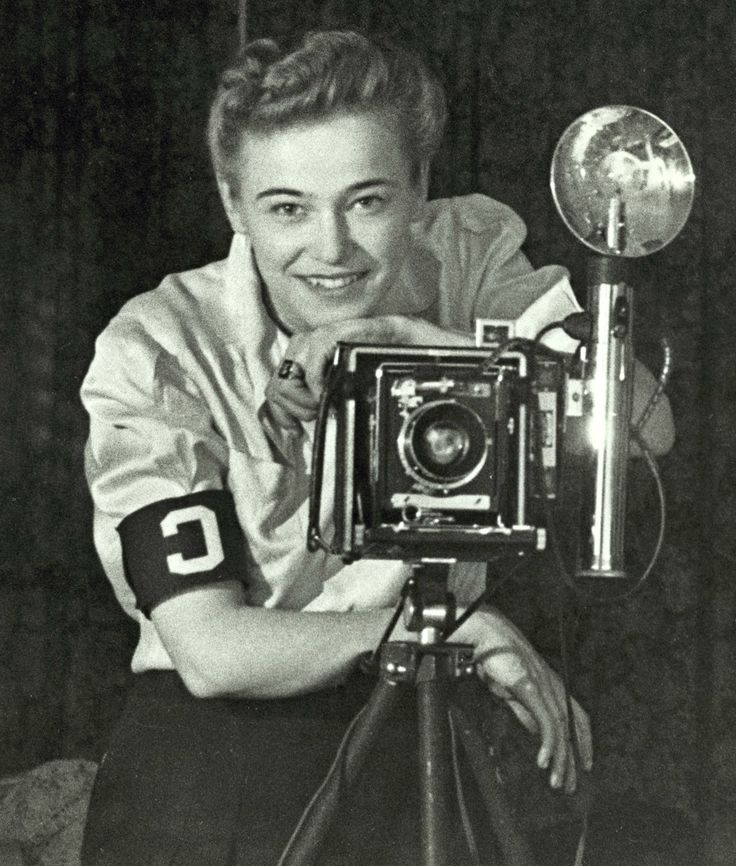 the women correspondents during the vietnam war Merick was abc's first female television field producer in the vietnam war, and one of only a handful of female network producers who covered the war in 1967 .