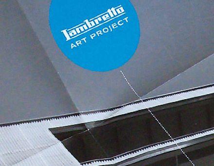 LAMBRETTO ART PROJECT  (17/04/2009)  L'arte contemporanea si fa spazio a Lambrate.  È stato inaugurato in occasione di MIArt il nuovo spazio Lambretto dedicato all'arte contemporanea: 1500 mq in via Arrighi 19 aperti a progetti indipendenti e interdisciplinari con protagonista la contemporaneità. Un'identità rinnovata da Carmi e Ubertis, che per l'occasione ha realizzato marchio, immagine coordinata e tutto il materiale di comunicazione.