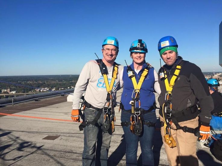 Over the Edge, a rappel down Sun Trust Tower, in support of Special Olympics (2015). MessiahMech.com