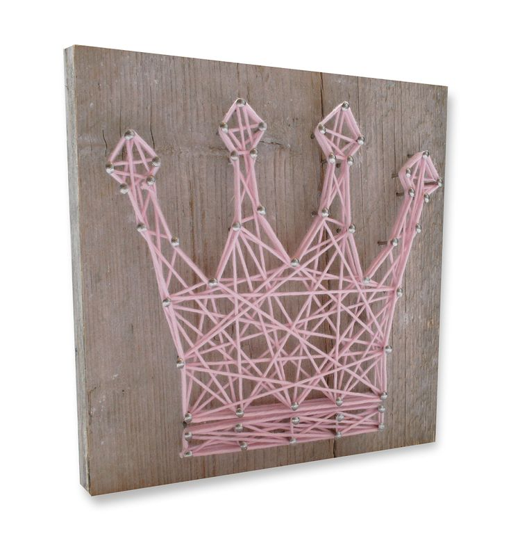 DIY string-art patter gift box CROWN available at spijkerpatroon.nl