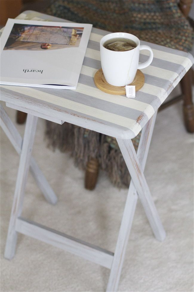 Upcycled TV Tray 2 - offbeat + inspired.  Could be cute for guest room side table?