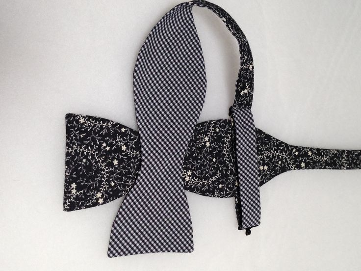 Double Sided, Black & White Bow Tie, (Self-Tie)