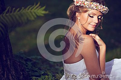 Portrait Of A Beautiful Bride With A Diadem Of Flowers On The He - Download From Over 60 Million High Quality Stock Photos, Images, Vectors. Sign up for FREE today. Image: 91400607