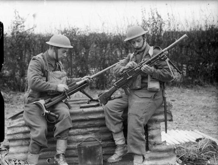 BRITISH ARMY FRANCE 1940 (F 2871)   Troops from the 1st Border Regiment at Rumegies cleaning a Boys anti-tank regiment and a Bren gun, 29 February 1940.