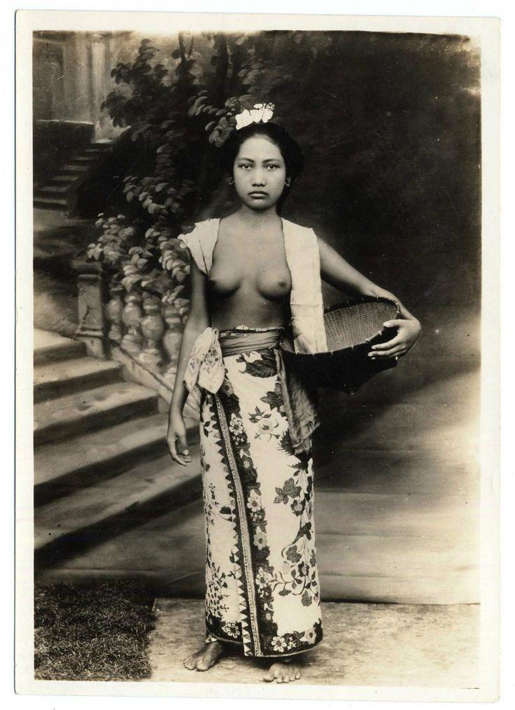 garbospeaks:  Vintage nude Balinese.