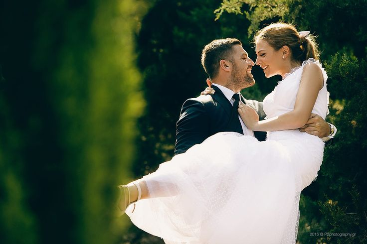 Romantic wedding picture! #wedding #pose #photography #p2photography #bride #groom #ideas #pose