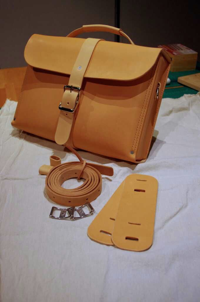 Ped's & Ro Leather Blog: Project: Messenger/Backpack