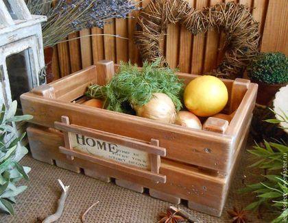 Купить или заказать Ящик для овощей 'Для уютного дома' в интернет-магазине на Ярмарке Мастеров. Большой деревянный ящик из массива сибирского кедра. Лук,чеснок,овощи-фрукты,а может небольшие горшочки с цветами...,не только будут прекрасно храниться в нём,но и станут уютной деталью интерьера кухни,дачи,загородного дома... ..........................................................................................................................................................…