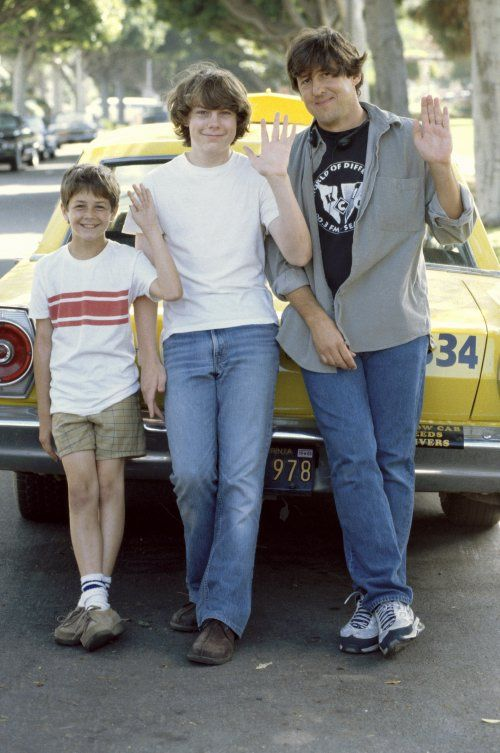 Michael Angarano, Patrick Fugit, and Cameron Crowe on the set of Almost Famous