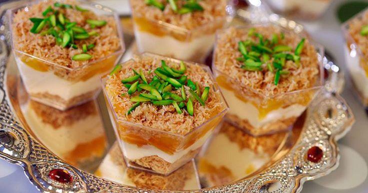 تفقدي على موقع اطيب طبخة اشهى وصفات حلى الكاسات وجربي من موقع اطيب طبخة طريقة عمل حلى كاسات قمر الدين بالكنافة فهي مثالية Libyan Food Desserts Ramadan Sweets