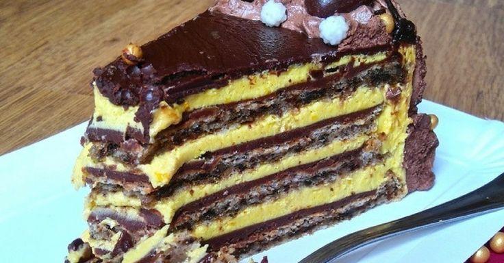 Čokoládový dort s ořechovým korpusem a žloutkovým krémem