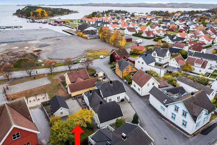 Østre Halsen - Stor, innholdsrik enebolig på romslige 298 kvm - Dobbel garasje - Isolert anneks/verksted i hagen