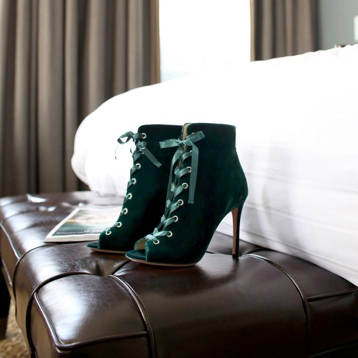 "– Harvey Nichols (@harveynichols) på Instagram: ""Life's too short - buy the shoes  @gianvitorossi"""