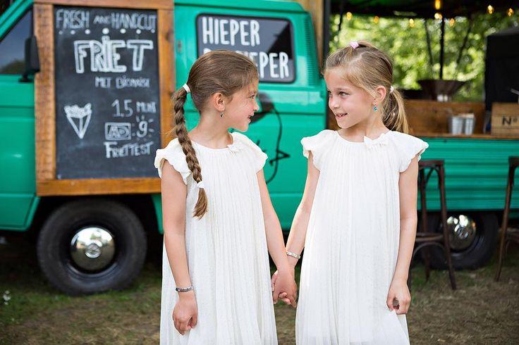 When you're a Twin... - #project365 #day149 #photochallenge #citygirls #twins #samepose #whitedress #weizigtpark #dordrecht #lepeltjelepeltje #eten #muziek #markt #hieperdepieper #friet #foto #fotografie #familiefoto #familiefotografie #familiefotograaf #dk_photography #photographer #photography #portret #portrait #geefjeookop #fotoshoot #portraitinthecity