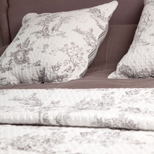 couvre lit boutis toile de jouy blanc harmony d co pinterest couvre lit boutis couvre lit. Black Bedroom Furniture Sets. Home Design Ideas