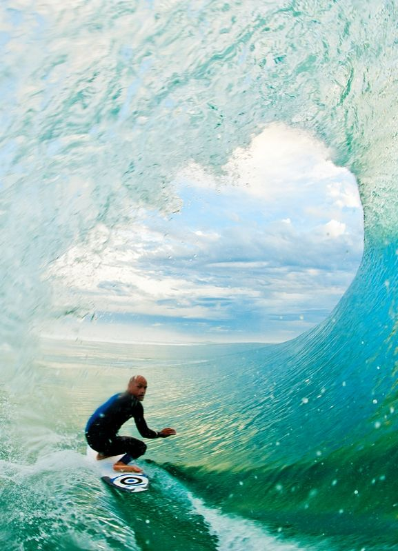 Kelly Slater, France Photo by Laurent Pujol