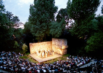 Open Air theatre in Regents Park, London. Our tips for 7 free things to do in London: http://www.europealacarte.co.uk/blog/2013/03/25/free-things-to-do-london/