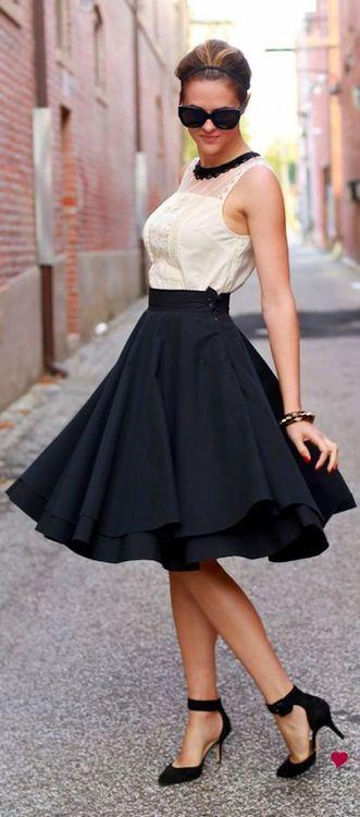 swing skirt w/exposed lining