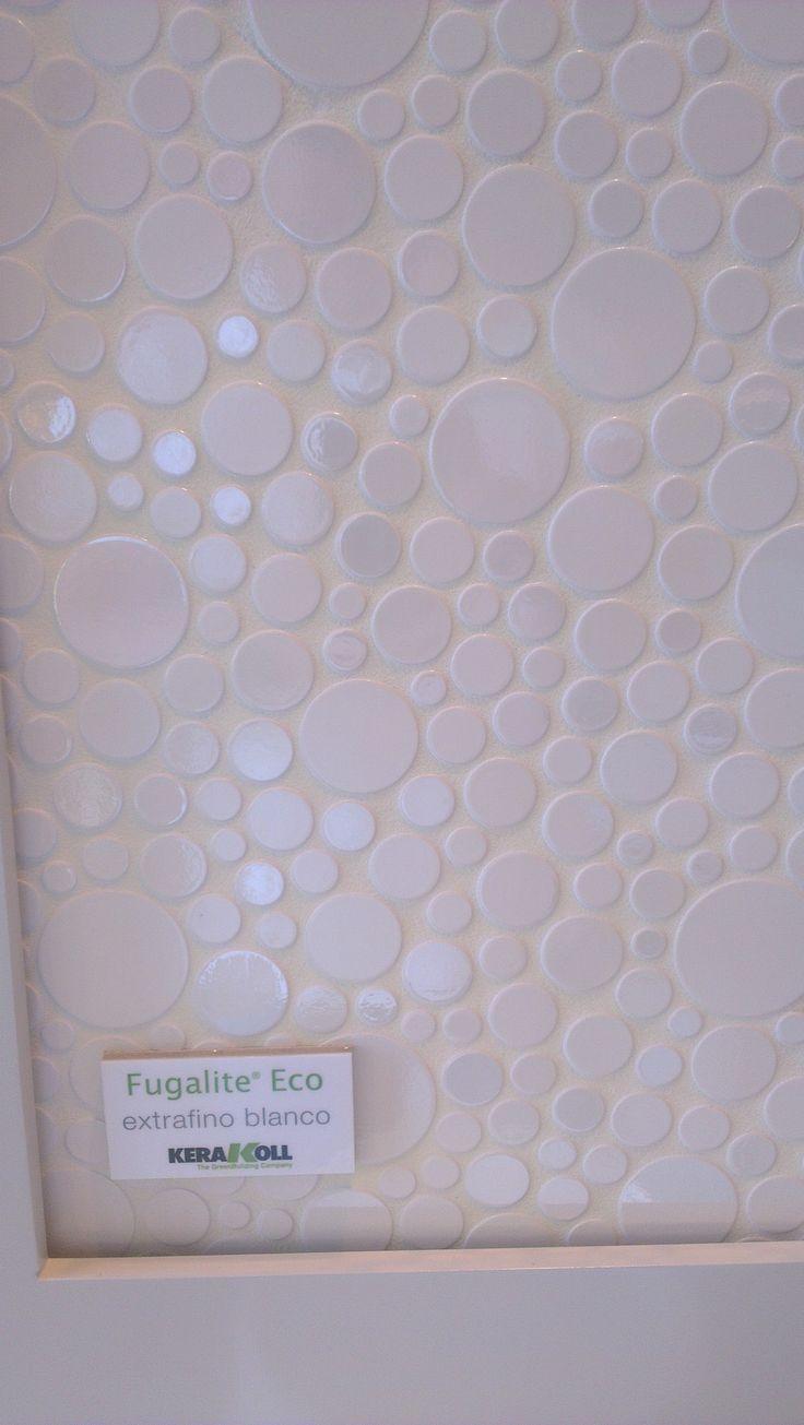 Fugalite extrafino blanco, tambien conocido en el mundillo de la buena reforma como porcelana liquida. Con este junteo epoxi conseguimos acabados de superlujo y al no tener poro, es facilisimos de limpiar y no aparecen en él hongos o mohos. www.materialespujante.com