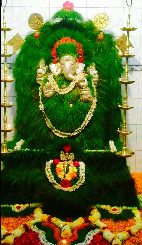 Vinayagar decorated with Arugampul