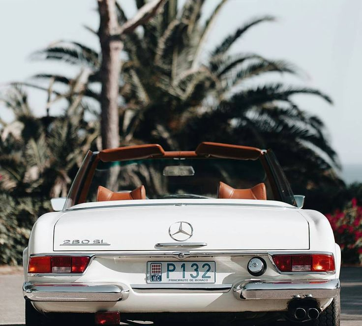 Mercedes-Benz #280SL in Monaco (via classiccarvoyage/instagram) / #BruceAdams190SL