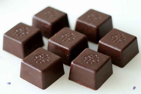 Fyldte chokolader med nougat-, Baileys-, og pebermyntefyld