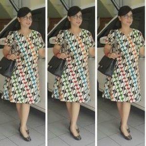 motif parang canting dalam model dress batik kerja modern untuk wanita karier yang ingin selalu tmpil cantik dan memikat setiap saat dikantor dan rumah
